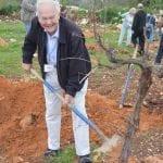 Bart Nuboer planting trees