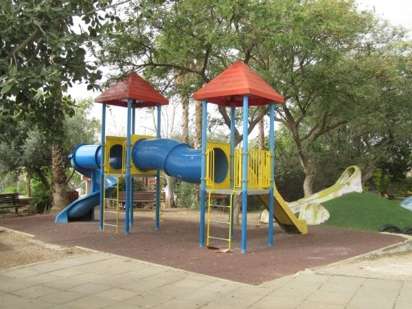 Babies and Toddlers in Sde Boaz are asking you for a place like this to play
