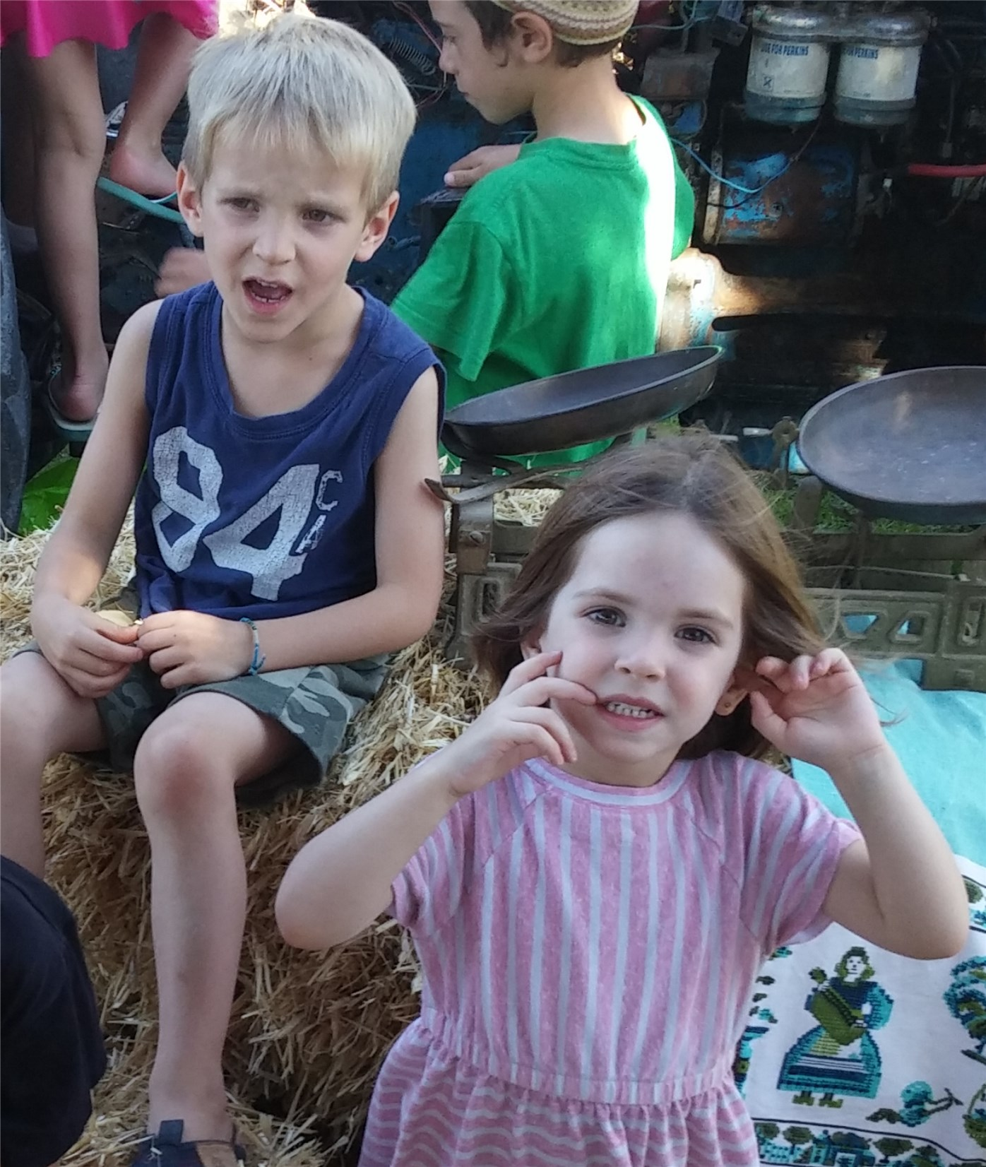 Children in Sde Boaz need new swings and slides
