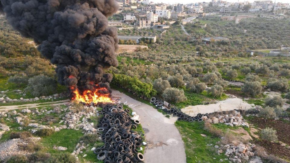 Etz Ephraim burning tires